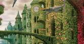 Зелёная стена из оастений и арочные мосты повисшие в воздушном пространстве сказочной страны