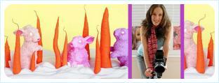 Кондитерские фигуры розовых зайцев и оранжевые моркови и взбитые сливки и фото девушки с фотокамерой